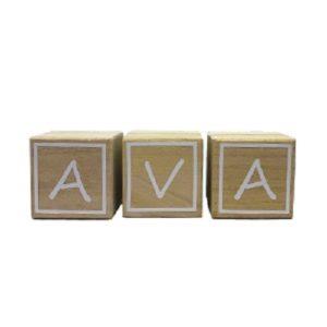 cube lettre en bois Ava Bobidibou anniversaire enfant achat matériel France01